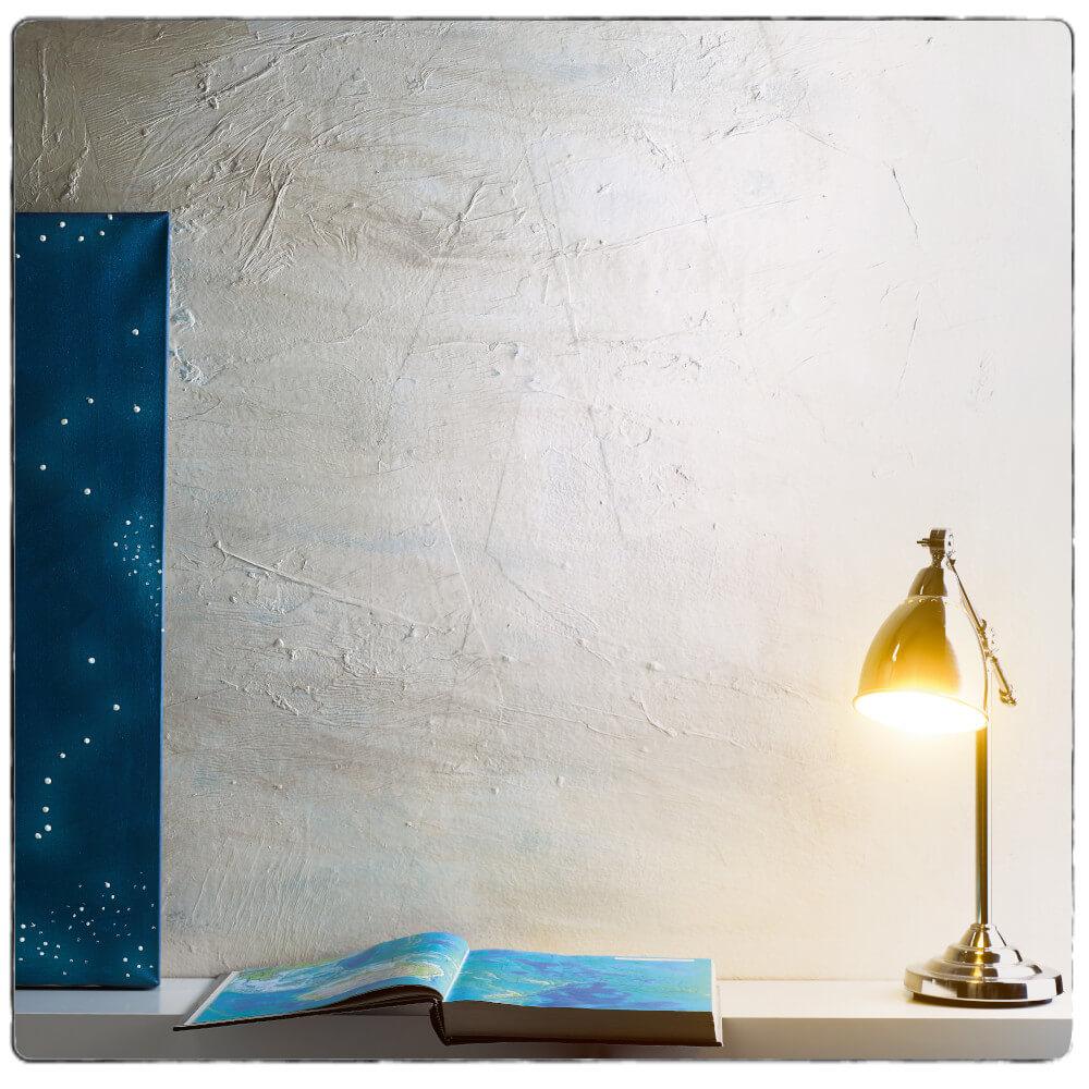 Kreative Atmosphäre am Esstisch mit Licht